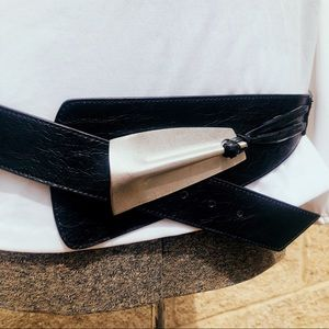 Vintage 1990's Chico's leather statement belt